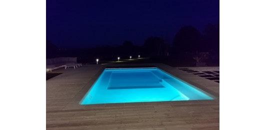 Paysagiste-pays-basque-vue-piscine-nuit